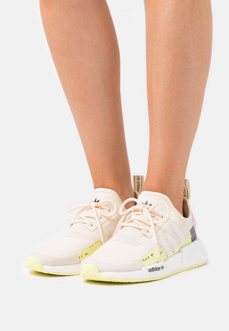adidas Originals - NMD_R1  - Zapatillas - white