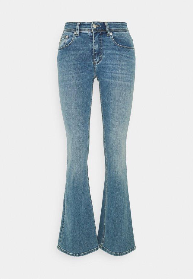 MELROSE - Jeans a zampa - triple stone