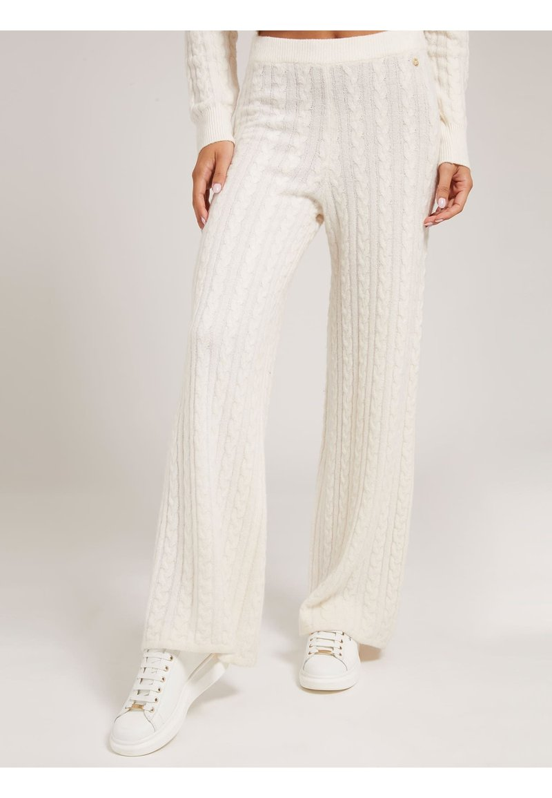 Guess - STRICKHOSE ZOPFMUSTER - Trousers - creme