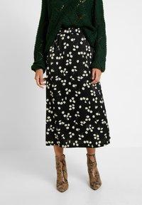 Vila - Pencil skirt - black - 0