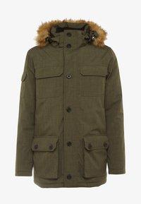 Hi-Tec - HERSHEL - Zimní kabát - olive night - 9