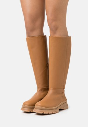 SLFLUCY HIGH SHAFTED BOOT  - Platform boots - cognac