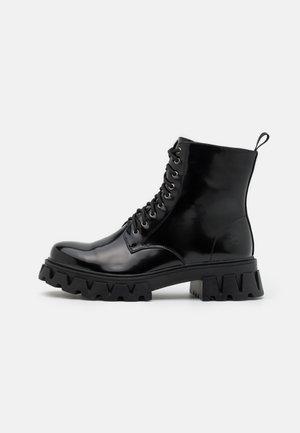 BRIGHT SHADOW - Veterboots - shiny black