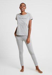Tommy Hilfiger - ORIGINAL CUFFED PANT - Pyjama bottoms - grey heather - 1