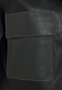 STUDIO ID - PAULINE CONTRAST POCKET COAT - Kožená bunda - black - 6