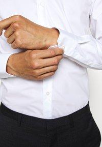 HUGO - ELISHA - Camicia elegante - open white - 5