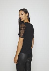 Morgan - DAIME - Print T-shirt - noir - 2