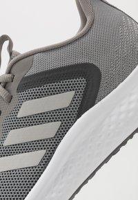 adidas Performance - FLUIDSTREET - Gym- & träningskor - dove grey/grey two/grey five - 5
