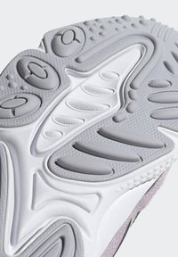 adidas Originals - OZWEEGO SHOES - Trainers - purple - 9