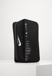 Nike Sportswear - Skopåse - black/smoke grey - 1