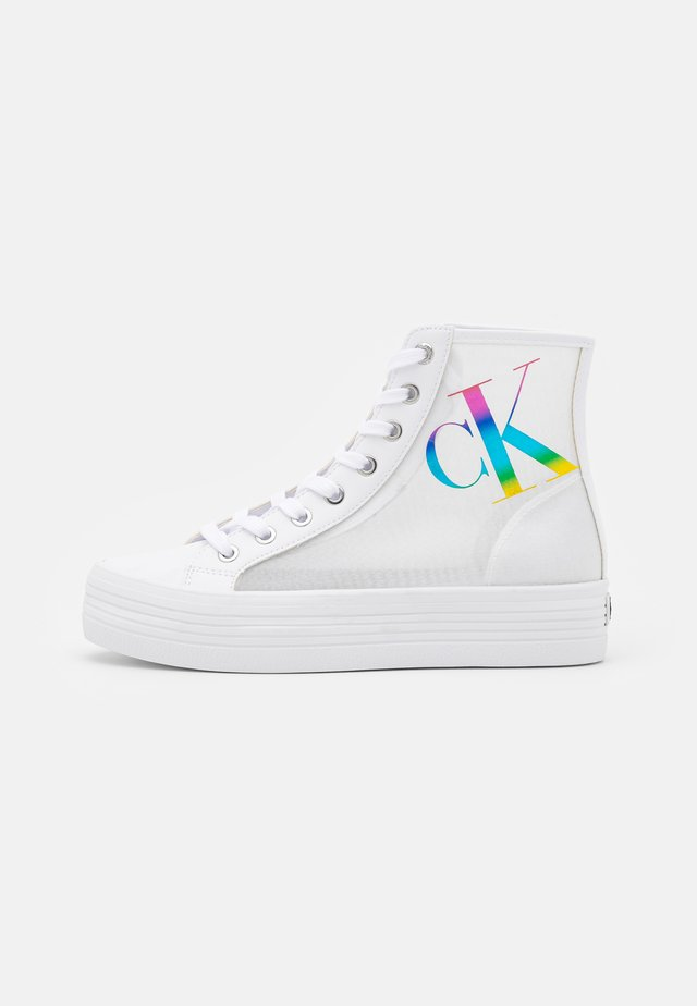 VULCANIZED FF HIGHLACEUP TRN PA - Baskets montantes - bright white