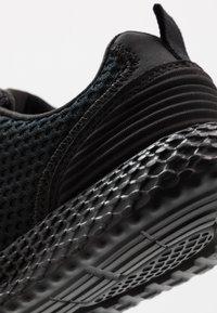 Champion - LOW CUT SHOE SPRINT - Scarpe running neutre - triple black - 5