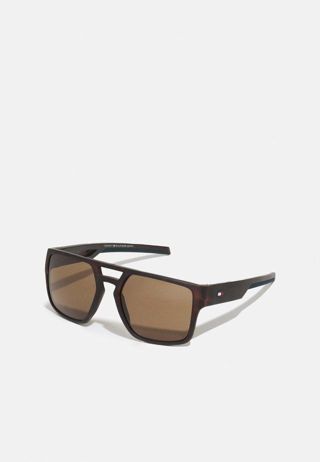 UNISEX - Sluneční brýle - matte havana