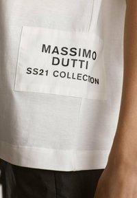 Massimo Dutti - MIT PATCH - T-shirt imprimé - white - 2