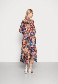 Emily van den Bergh - DRESS - Shirt dress - brown/blue/orange - 2