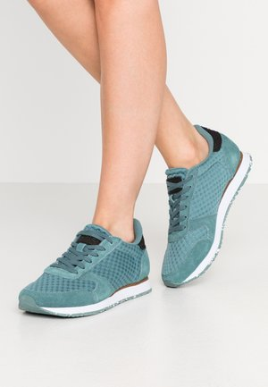YDUN SUEDE MESH II - Sneakers laag - north atlantic