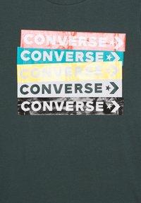 Converse - COLOURBLOCKED LOGO TEE - Print T-shirt - faded spruce - 2