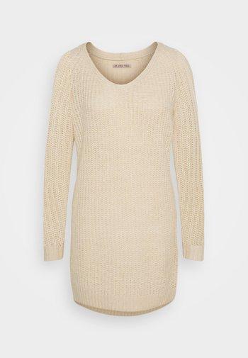 Pletené šaty - mottled beige