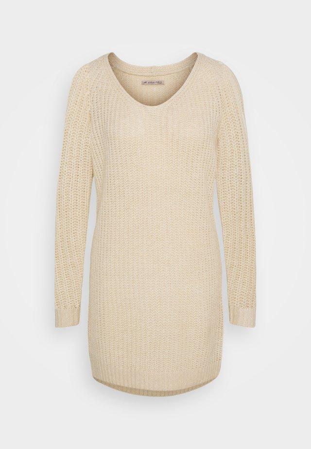 Sukienka dzianinowa - mottled beige