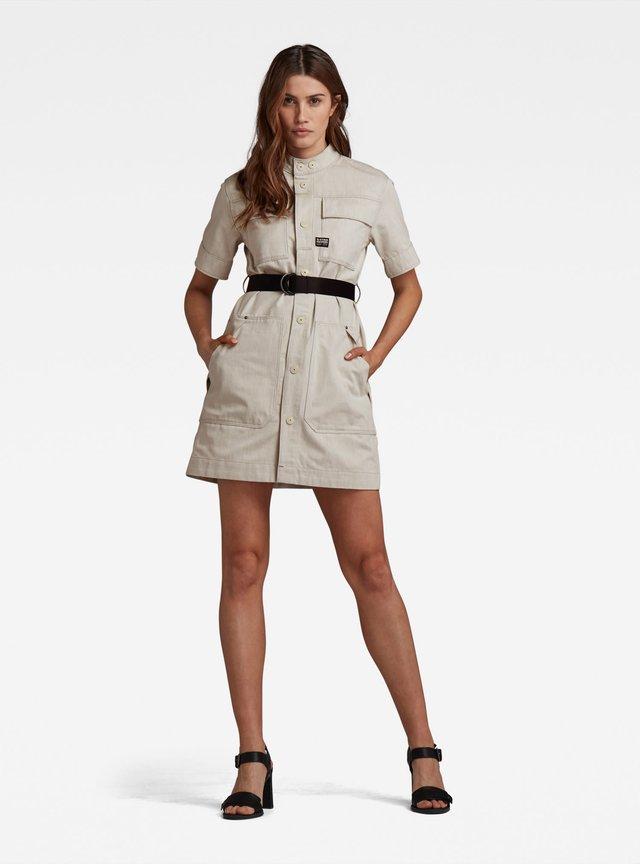 SHIRT DRESS SHORT SLEEVE - Spijkerjurk - ecru