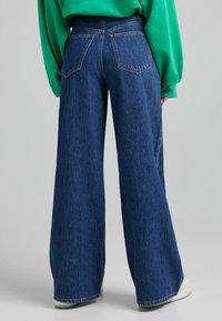 Bershka - Flared Jeans - dark blue - 2