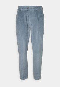 DRYKORN - CARE - Chino kalhoty - blau - 0