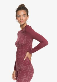 Roxy - Undershirt - tibetan red - 3