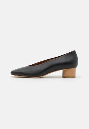 Classic heels - dream
