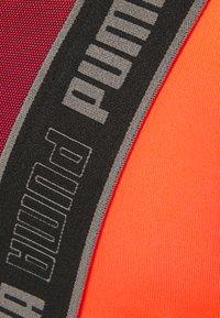 Puma - HIGH IMPACT FAST LAUNCH BRA - Sujetadores deportivos con sujeción alta - lava blast/black - 2