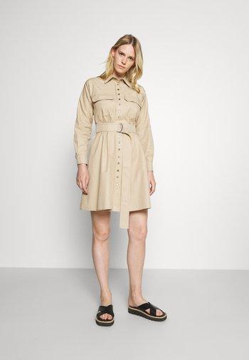 FALCO - Shirt dress - honey