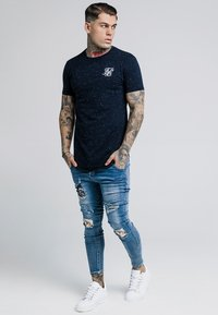 SIKSILK - NEPS GYM TEE - T-shirt basic - navy - 1