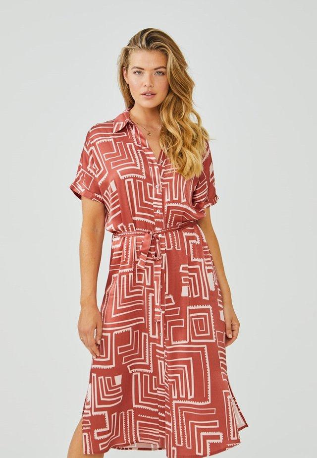 Shirt dress - arabian red dessin