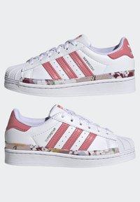 adidas Originals - SUPERSTAR SHOES - Sneakers laag - ftwr white/hazy rose/hazy rose - 5