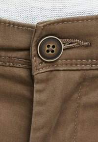 Jack & Jones - MARCO BOWIE  - Pantalones chinos - dark earth - 3