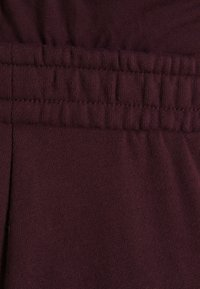 Anna Field MAMA - 2 PACK - LOOSE FIT JOGGERS - OVERBUMP - Tracksuit bottoms - black/bordeaux - 2