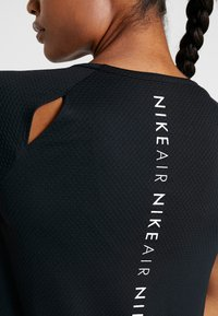 Nike Performance - AIR - T-shirt z nadrukiem - black/white - 4