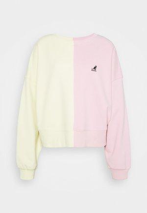 GEORGIA SLICED CREWNECK - Sweatshirt - light pink/pale yellow