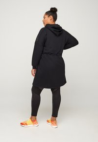 Active by Zizzi - Robe en jersey - black - 2