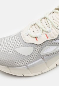 Reebok Classic - KINETICA CONCEPT - Sneakersy niskie - fog/grey/orange - 5