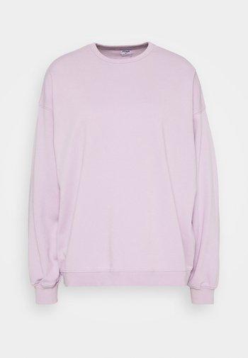 OVERSIZED SUPER SLOUCH CREW - Sweatshirt - frosty lilac
