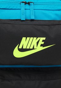 Nike Sportswear - FUTURE PRO 24 L UNISEX - Batoh - laser blue/black/volt - 5