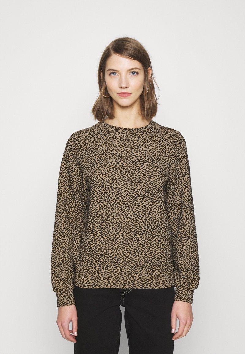 ONLY - ONLSOFIA LEO - Sweatshirt - black/animal dark brown