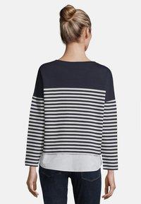 Betty & Co - MIT STREIFEN - Sweatshirt - blue/white - 2