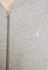 Newport Bay Sailing Club - Sweater met rits - grey marl - 6