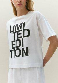 Massimo Dutti - LIMITED EDITION - T-shirt imprimé - white - 2