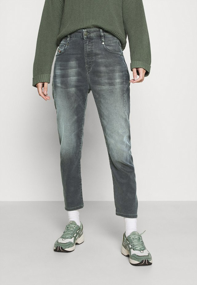D-FAYZA-NEJOGGJEANS - Jeans Relaxed Fit - grey