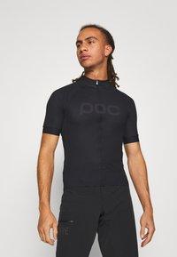 POC - ESSENTIAL ROAD LOGO  - T-Shirt print - uranium black - 0