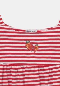 Lemon Beret - GIRLS  - Žerzejové šaty - tomato puree - 2