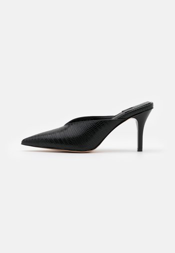 POINTY SQUARED BACK MULES