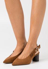 PARFOIS - Classic heels - brown - 0